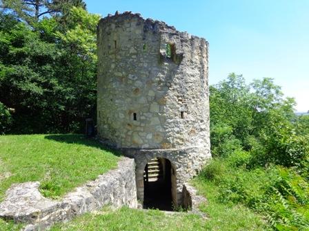 Der Höhlturm